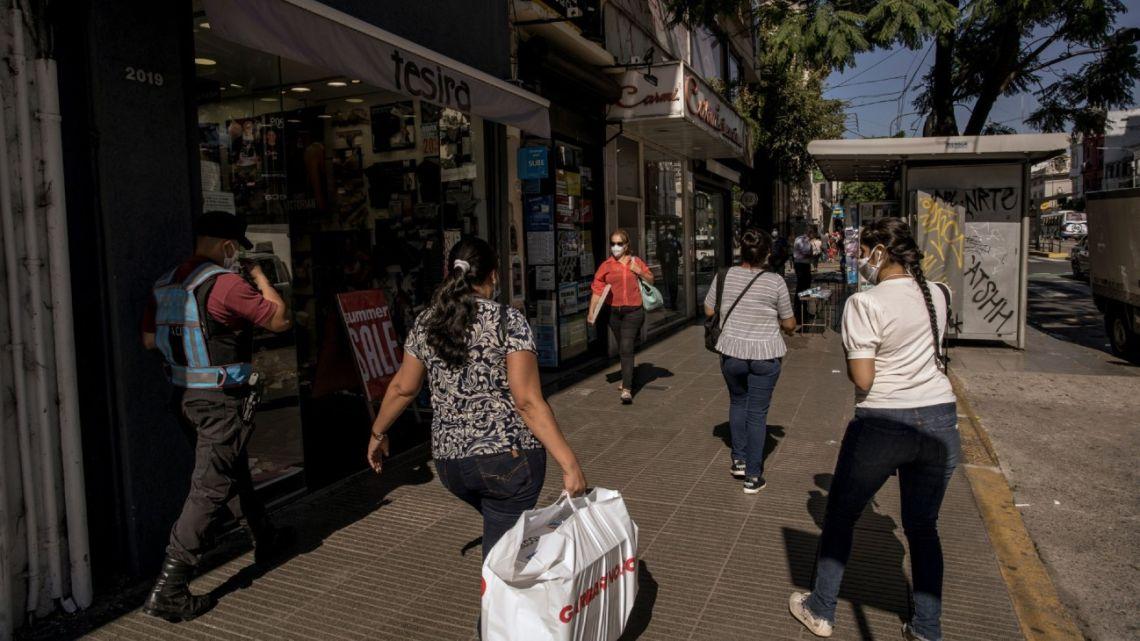 Street scene in Buenos Aires, during the coronavirus pandemic.