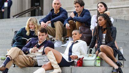 """Los nuevos """"upperstears"""" de Gossip Girl: moda, secretos, likes y TikTok."""