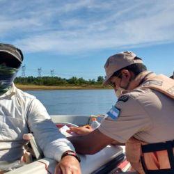 La pesca deportiva se podrá llevar a cabo normalmente siempre y cuando se realice con devolución.