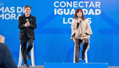 Reaparición. Cristina Fernández de Kirchner, el jueves 1 de julio, en un acto en Lomas de Zamora junto al gobernador Axel Kicillof.
