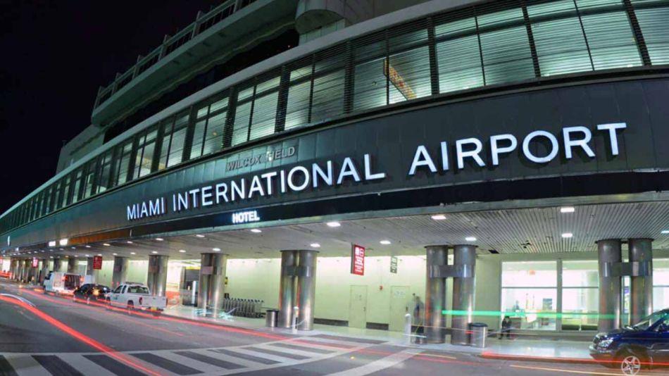 20210704_miami_aeropuerto_cedoc_g