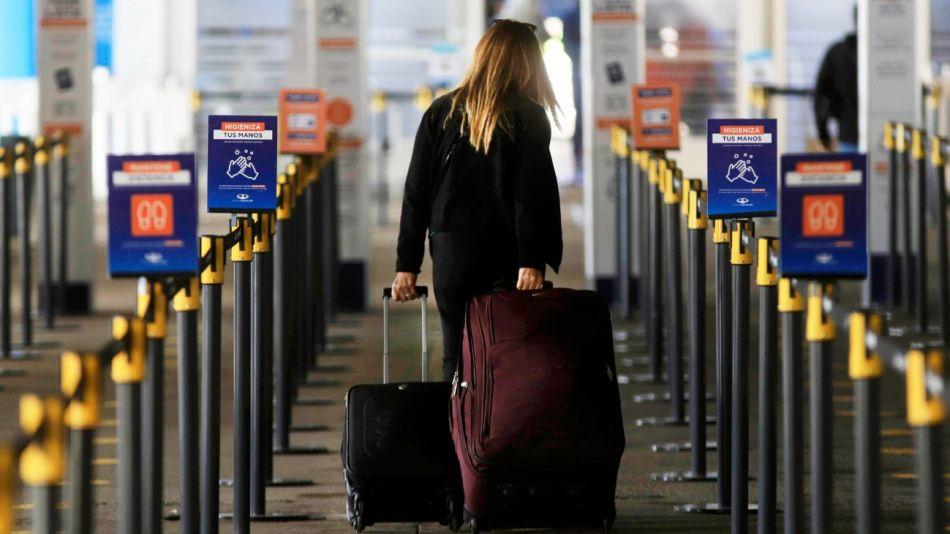 ezeiza restricciones vuelos cupo de 600 pasajeros g_20210705