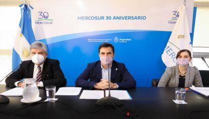 Daniel Filmus y Darío Martínez anunciaron una nueva ofensiva contra las petroleras en Malvinas.