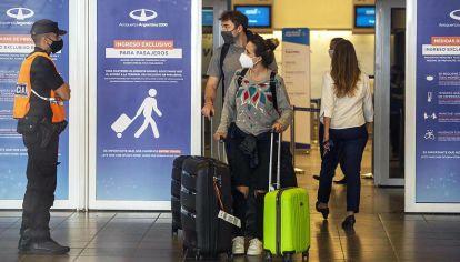 Cierres. Las restricciones para la llegada de argentinos en el exterior seguirán por cuatro semanas.