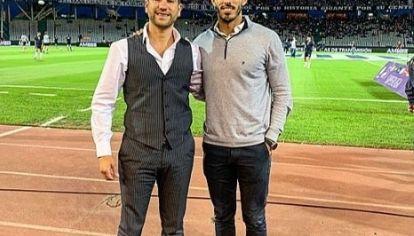 En el Kempes. Santiago Arbide, director ejecutivo de AmEro Sports, junto a Juan Pablo Fassi, uno de los hijos del presidente de Talleres.