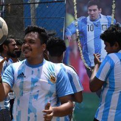 Furor por Messi y la Argentina en las calles de Calcuta.
