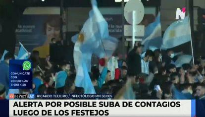 Festejos en el Obelisco tras la victoria de Argentina