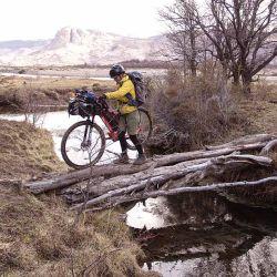 Al ser un recorrido cercano y de pocos kilómetros lo podemos usar para entrenar, ir con amigos, o hacer una pequeña escapada de bikepacking.