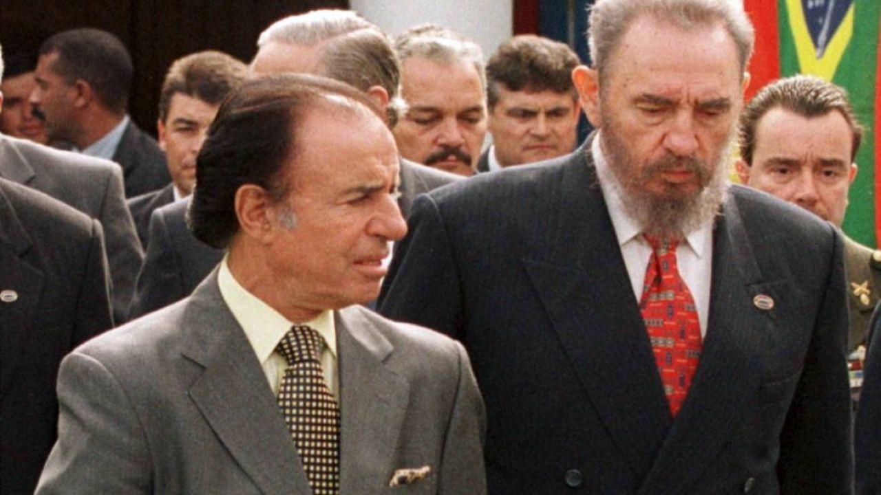 Menem con Fidel.  | Foto:CEDOC