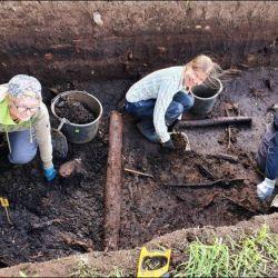 Lo encontraron en un humedal prehistórico del sitio arqueológico de Järvensu, Finlandia.