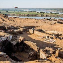 El templo fue descubierto en la ciudad de Old Dongola, que se levanta  a lo largo del río Nilo