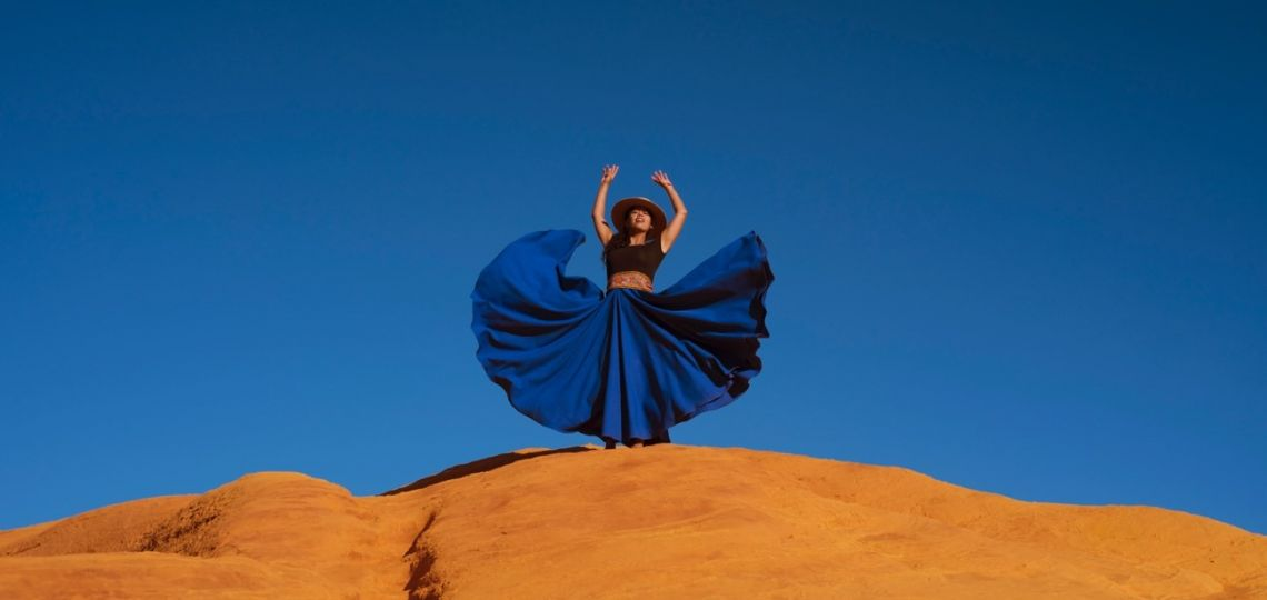 Conocé a Mandy Lerouge, la francesa que homenajea al folklore argentino