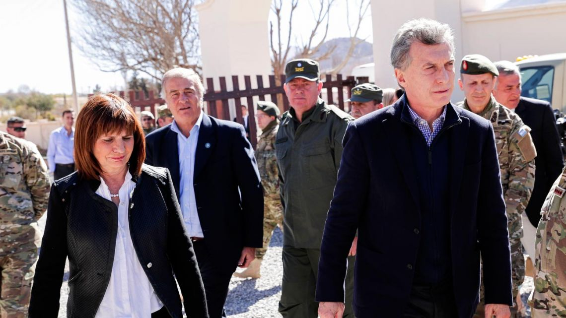 File photo showing former president Mauricio Macri (right), ex-security minister Patricia Bullrich (left).