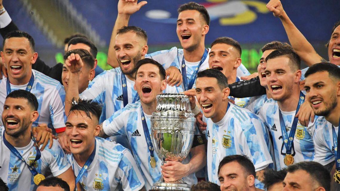 Argentina's players celebrate their Copa América triumph.