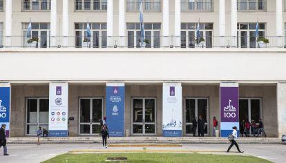 ROL CLAVE. La Universidad Nacional de Córdoba encabeza los trabajos de investigación pandémicos en la provincia.
