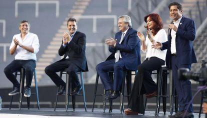 Alberto Fernández, Cristina Kirchner, Axel Kicillof, Sergio Massa y Máximo Kirchner, en un acto oficialista.