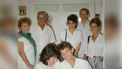 """Casamiento a """"escondidas"""" de Jorge Guerón y María Laura Facal en una oficina que había sido autorizada a principio de los años '90 para casar a cubanos con extranjeros"""