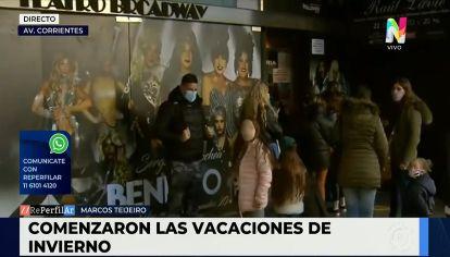 Así se vivió el primer día de las vacaciones de invierno en la Avenida Corrientes
