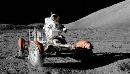 ¿Sabías que hay tres autos que quedaron en la Luna desde 1972?