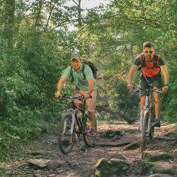 En bici por la selva de Yungas.