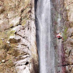 La gran cascada de Aguas Chiquitas corona un trekking.