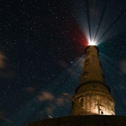 Una fotografía muestra el faro de Cordouan por la noche frente a la costa de Le Verdon-sur-Mer, suroeste de Francia.   Foto:Philippe Lopez / AFP