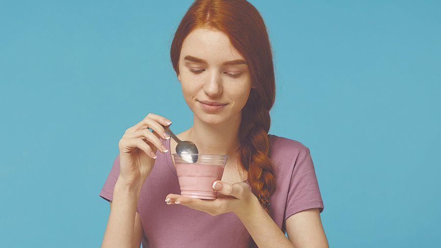 La lecitina de soja y los lácteos, como el yogur, contienen este importante nutriente para el sistema nervioso.