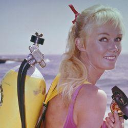 La australiana Valerie Taylor pionera del cine subacuático y de la investigación sobre tiburones protagoniza el nuevo documental de National Geographic..