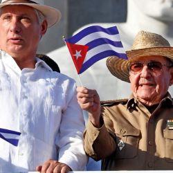 Díaz-Canel y Raúl Castro | Foto:CEDOC