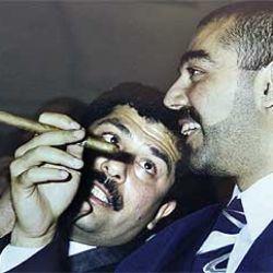 Estados Unidos difundió fotos de Qusay y Uday, los hijos de Saddam Hussein muertos.