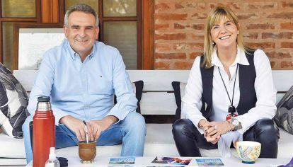 Campaña. Rossi se mostró ayer con la vicegobernadora Rodenas.