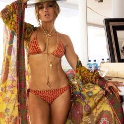 Jennifer López oficializó su romance con Ben Affleck mientras que su ex vacaciona en el mismo lugar que ellos