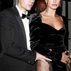 Hailey Bieber y su sensual vestido