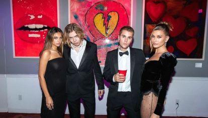El estilo elegante y gótico de Hailey Bieber que no te podés perder