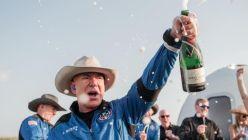 Jeff Bezos festejó luego del viaje al espacio
