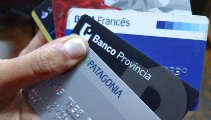 El uso de las tarjetas de débito creció un 50% interanual