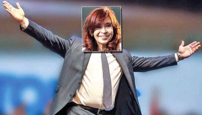 """""""Albertina"""" Fernández. Las señales de acercamiento político hacia el Presidente y gobernadores y cierta moderación de su discurso, reviven a la Cristina Kirchner en versión electoral."""