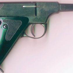 Una pistola calibre .22 LR de la marcha Gunther, uno de los ejemplos de la producción nacional de baja calidad que sucumbió.