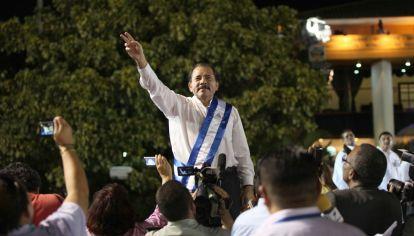 El presidente de Nicaragua, Daniel Ortega, junto a su esposa y vicepresidenta, Rosario Murillo