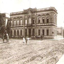 La històrica plaza San Martín.