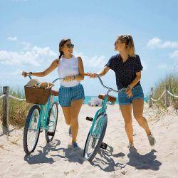 Paseos en bicicleta, ideales para recorrer la costa de Miami Beach.