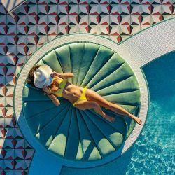 Piscina en la terraza del Moxy South Beach, recientemente inaugurado.
