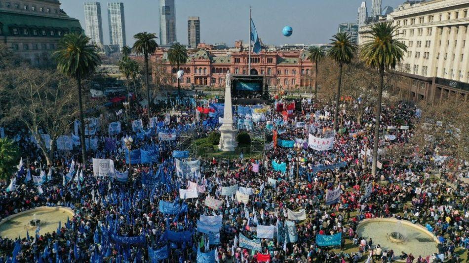 plaza de mayo movimientos sociales g_20210807