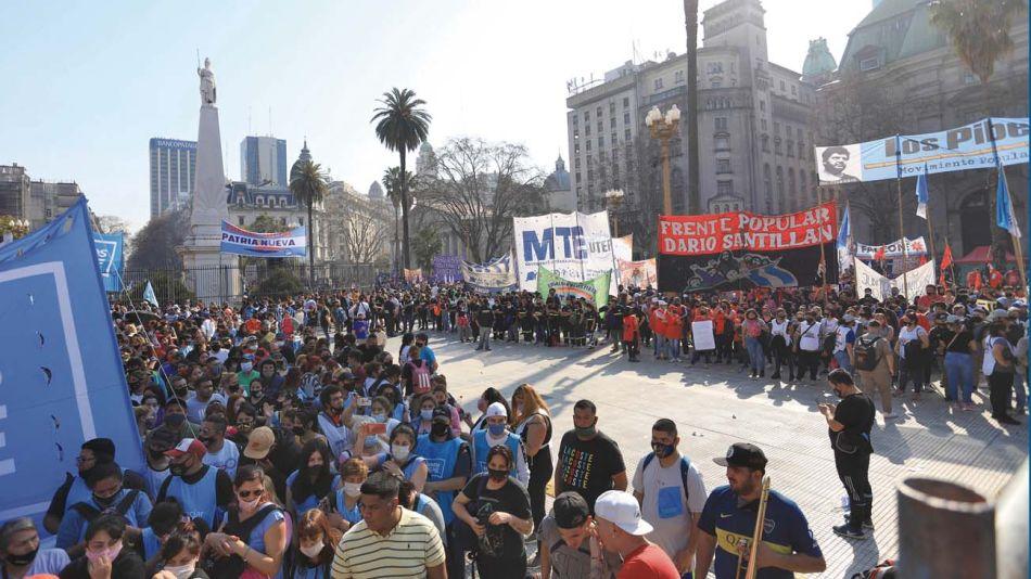 """Reclamo. La marcha de ayer fue parte una ofensiva de los movimientos para """"marcarle la cancha"""" al nuevo ministro Zabaleta."""