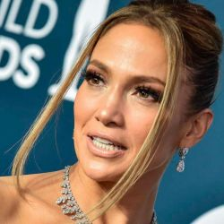 Jennifer López y su línea de belleza JLo Beauty