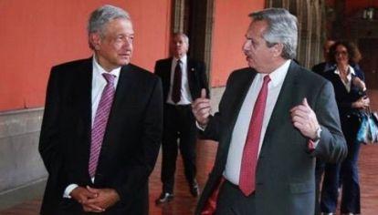 López Obrador junto a Alberto Fernández