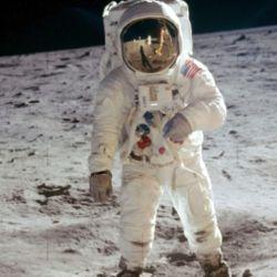 """Los trajes """"no estarán listos para el vuelo hasta abril de 2025 como muy pronto"""", así lo afirma un informe de la NASA."""