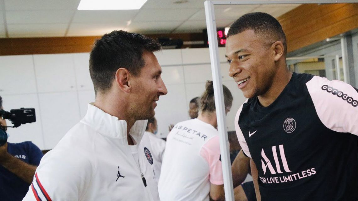 Lionel Messi meets Kylian Mbappé, ahead of the Argentine star's first training session with Paris Saint Germain.