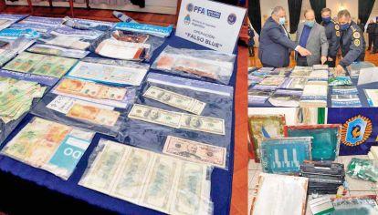 Pruebas. Los billetes fueron incautados en los veinte allanamientos ordenados por el juez federal de Campana Adrián González Charvay.