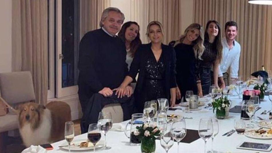 La foto de la fiesta de Alberto Fernández y Fabiola Yañez en Olivos.
